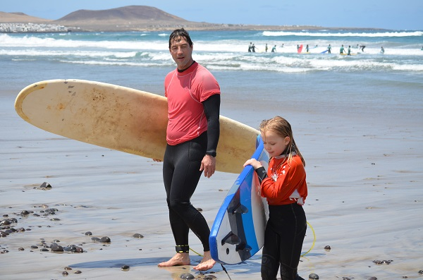 surfing families lanzarote