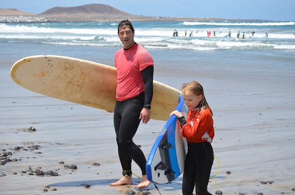 surfing families lanzarote